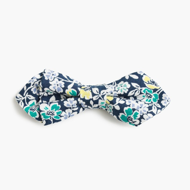 Boys' cotton bow tie in navy floral