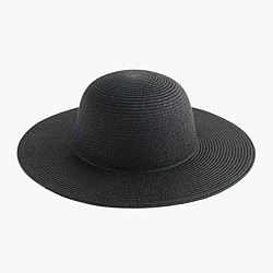 Short-brimmed straw hat