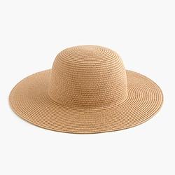 Short-brimmed straw hat