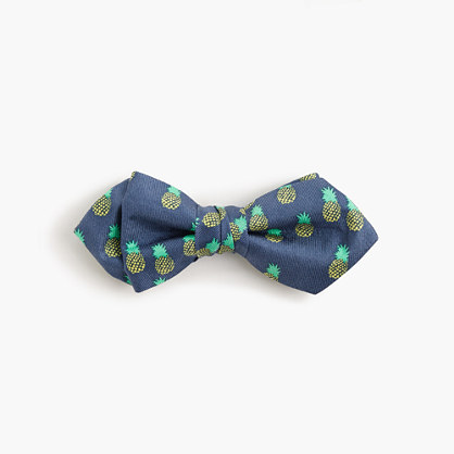 Boys' silk critter bow tie in pineapple