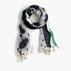 Graphic scarf with tassels