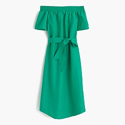 Collection off-the-shoulder dress in silk