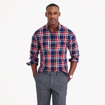 Slim midweight flannel shirt in navy plaid