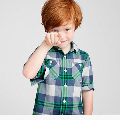 Boys' crinkle poplin shirt in green-navy plaid