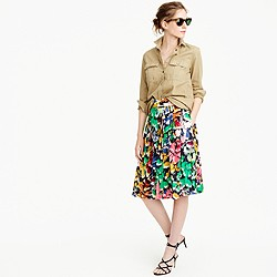 Petite double-pleated midi skirt in colorful brushstroke print