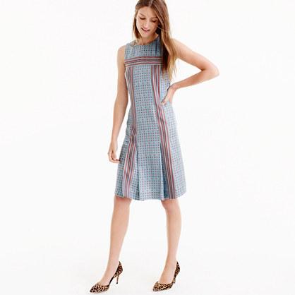 Sleeveless silk twill dress in foulard print