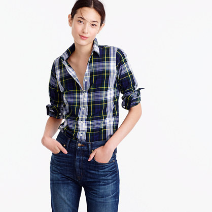Petite perfect shirt in navy Stewart plaid