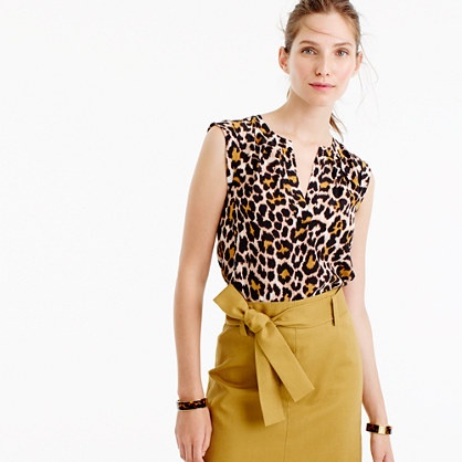 Petite cuffed-sleeve top in leopard print