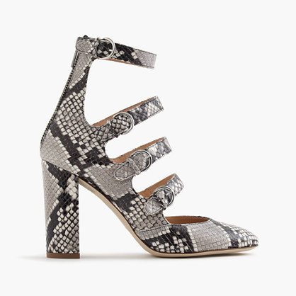 Pumps in snakeskin-printed leather