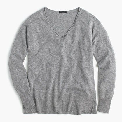 V-neck swing sweater