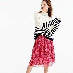 Double-pleated skirt in vivid paisley