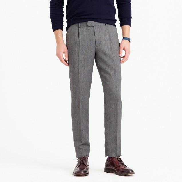 Bowery pleated pant in lightweight wool herringbone