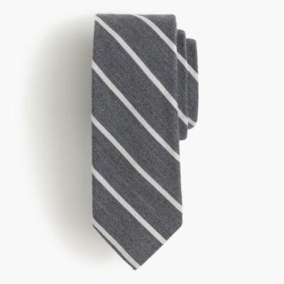 English wool-silk tie in narrow stripe