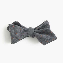 English silk bow tie in polka dot