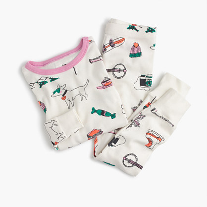 Girls' pajama set in winter wonderland