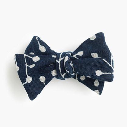 Kiriko™ bow tie in bud print