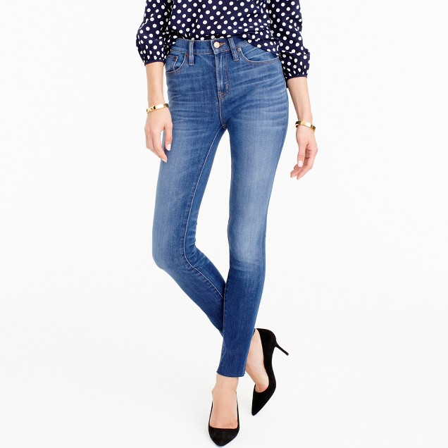 Petite lookout high-rise jean in Fairoaks wash