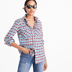 Petite boyfriend shirt in crimson petal plaid