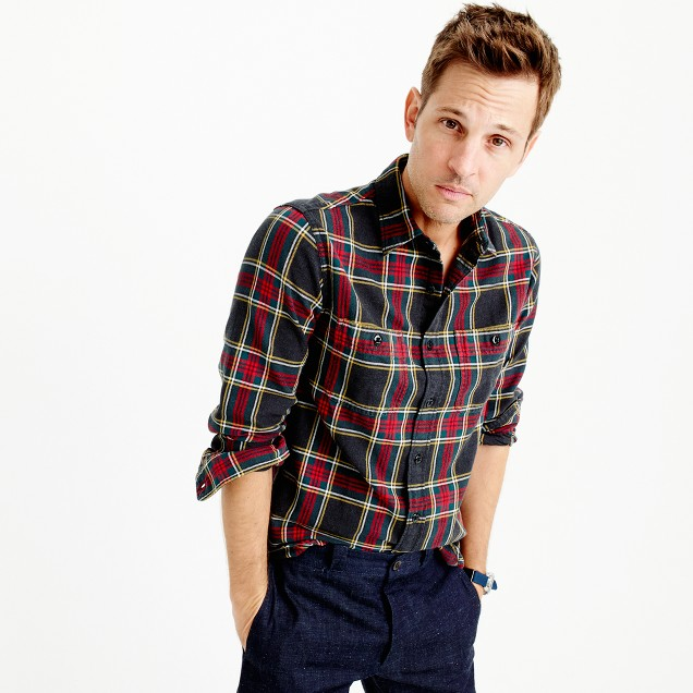 Midweight flannel shirt in black-and-red tartan