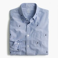 Slim lightweight oxford shirt in embroidered sailboats