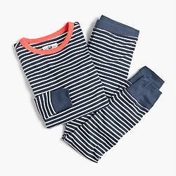 Girls' pajama set in classic stripes