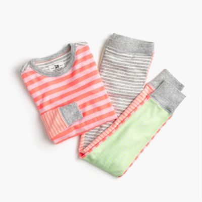 Girls' pajama set in bright stripes
