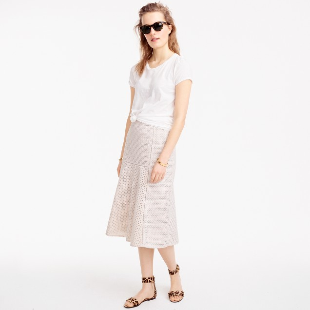 Fluted skirt in geometric eyelet