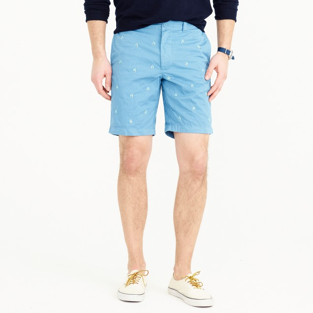 """9"""" short in embroidered sailboats"""