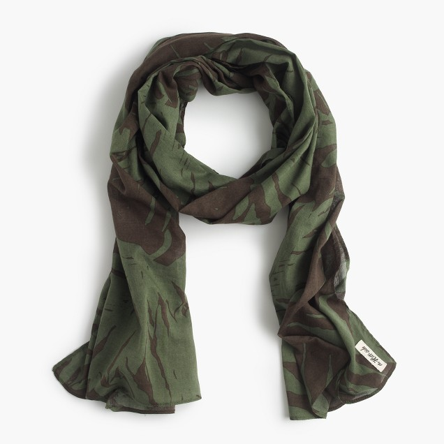 The Hill-side® lightweight scarf in palm leaves print