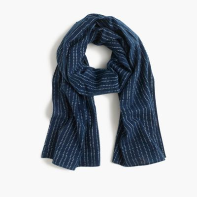 Lightweight indigo-dyed cotton scarf in stripe