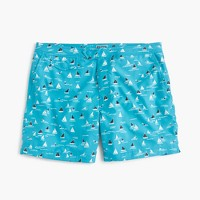 "6.5"" tab stretch swim short in sailboat print"