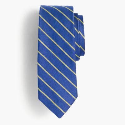 Silk tie in thin stripe