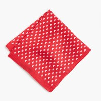 Linen pocket square in heart print