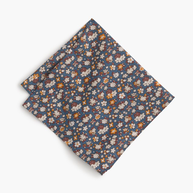 Cotton pocket square in floral print