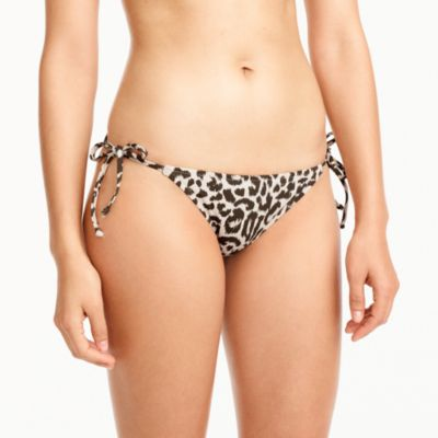String hipster bikini bottom in leopard print