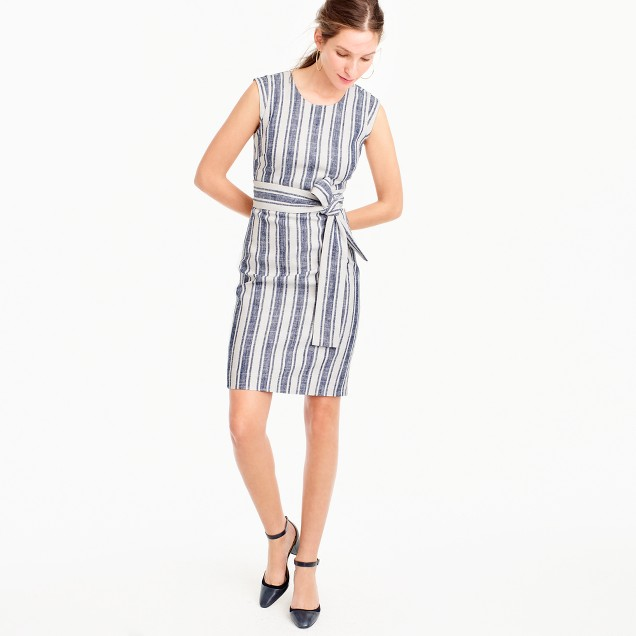 Belted dress in linen