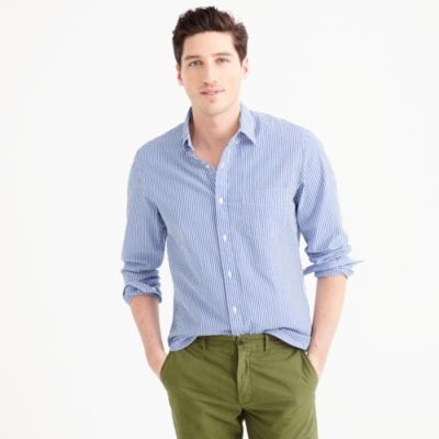 Slim seersucker shirt in classic stripe