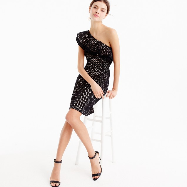 One-shoulder dress in eyelet