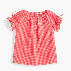 Girls' gathered-sleeve top in gingham