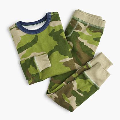 Kids' pajama set in camo
