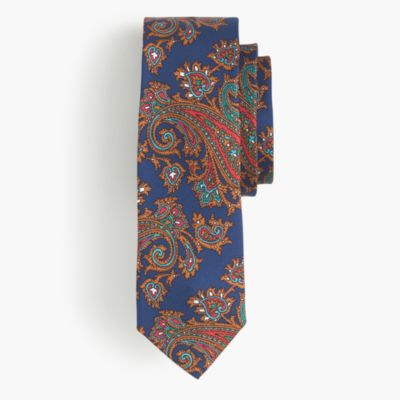 Silk tie in paisley
