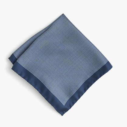 Silk pocket square in micro-houndstooth