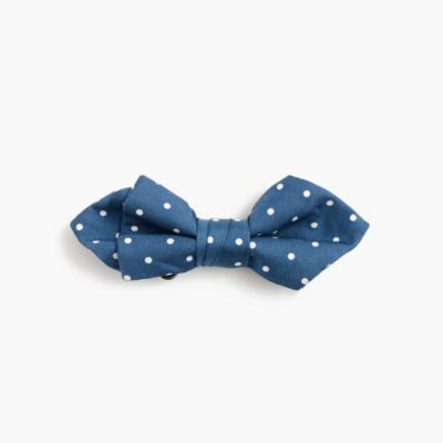 Boys' silk bow tie in classic dot